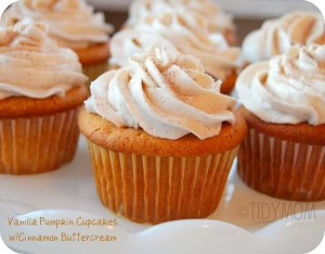 Vanilla Pumpkin Cupakes with Cinnamon Buttercream at TidyMom.net