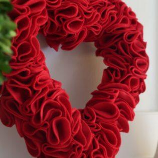 DIY Heart Felt Wreath tutorial from The Idea Room