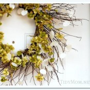 winter wreath facelift at TidyMom.net