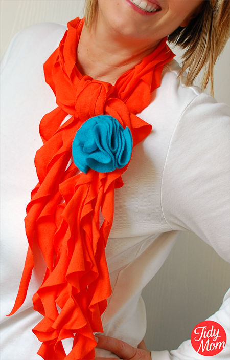 How to make a scarf using a t-shirt! no sewing required. 15 min DIY T-Shirt Scarf Tutorial at TidyMom.net