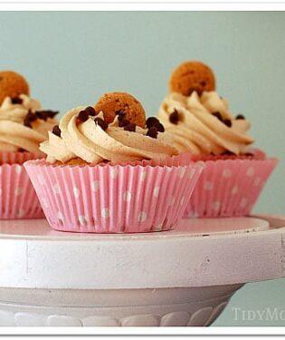 Chocolate-Chip-Cookie-Dough-Cupcakes-TidyMom