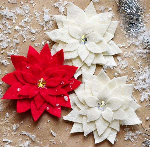 Felt Flower tutorial: How to make a Poinsettia