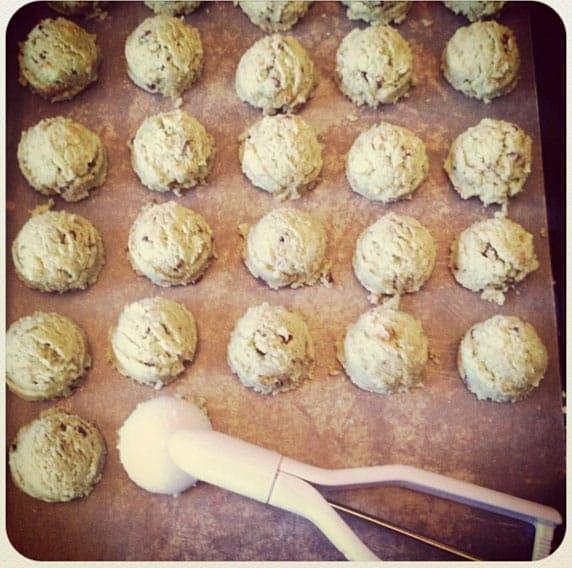rolling-cake-balls