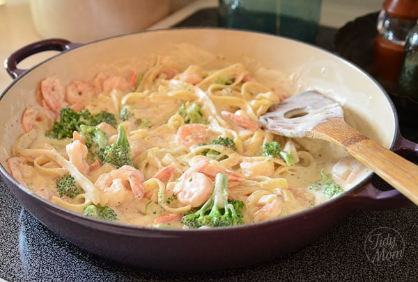 Shrimp &amp; Broccoli Fettuccine in pan