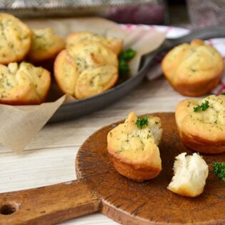 garlic butter buns Lia Maries