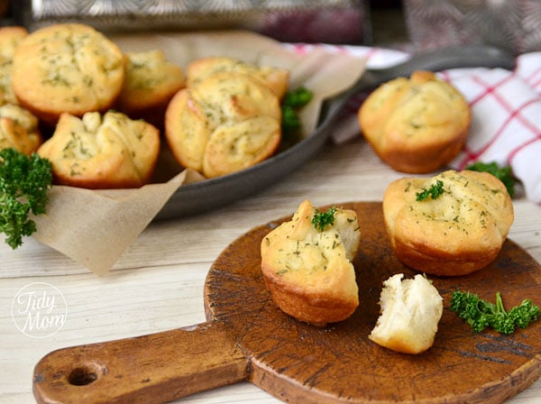 garlic butter buns Lia Maries