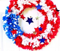 Easy DIY Patriotic Wreath at TidyMom.net