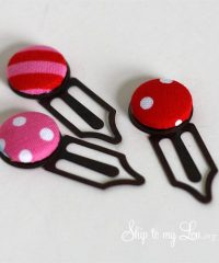 DIY button-bookmarks from Skip to my Lou at TidyMom