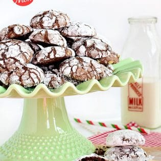 Easy Chocolate Peppermint Crinkle #Cookie recipe at TidyMom.net #holiday