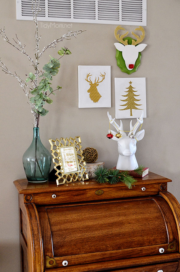 DIY Christmas Reindeer Wall Art at TidyMom.net  Super easy #Christmas #crafts