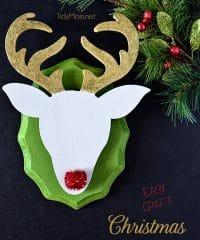 DIY Christmas Reindeer Wall Mount