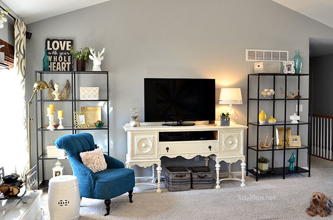 Family Room Decor With Ikea Vittsjo Bookcases At Tidymom Net