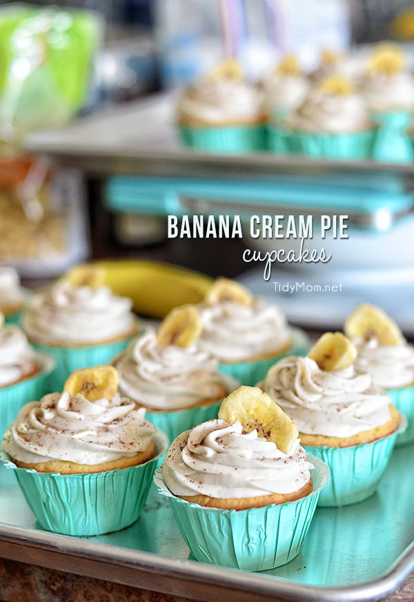 Banana Cream Pie Cupcakes: French vanilla cupcake with banana custard ...
