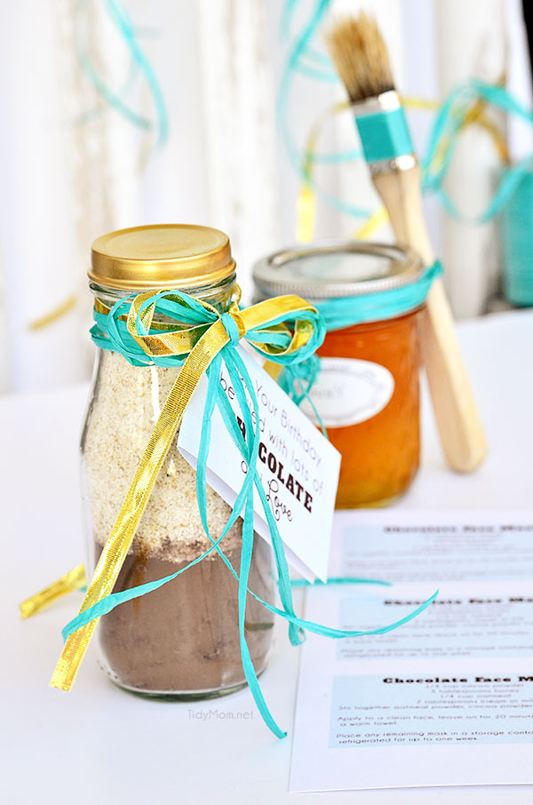 Chocolate Face Mask Gift Idea with recipe + Happy Birthday Gift Tag at TidyMom.net