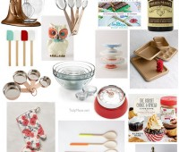Holiday Gift Guide for the Baker in your life! details at TidyMom.net