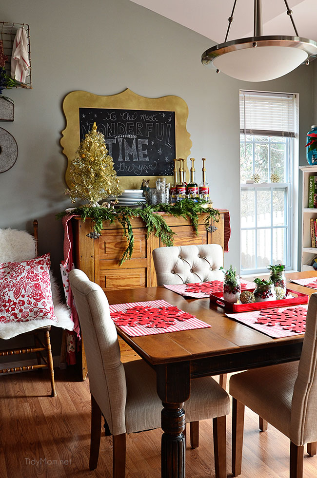 Christmas Holiday Home Tour at TidyMom.net