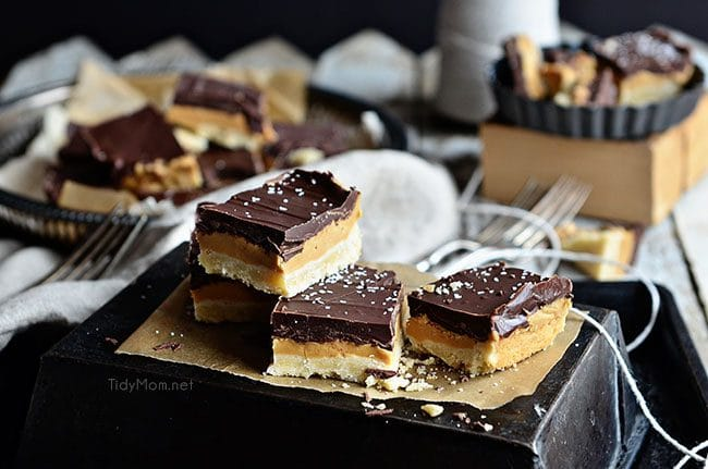 Copycat Tagalongs Cookie Bars picture