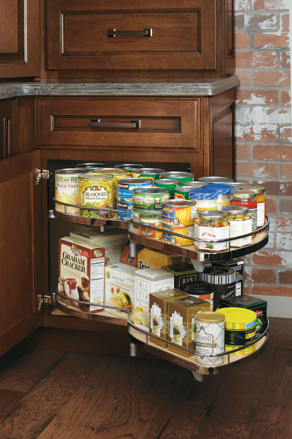 Masterbrand Cabinets Base Corner Full Width with Curved Pull-Out