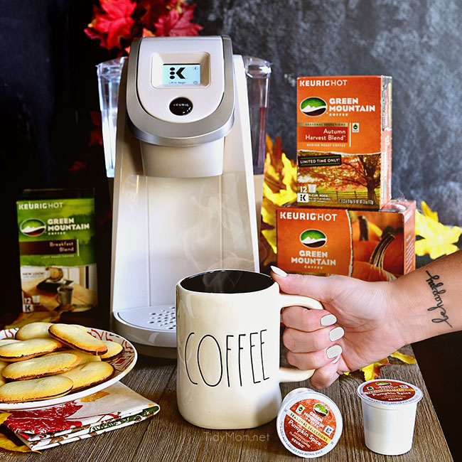 Sandy Pearl White Keurig Brewer + Green Mountain Coffee Pumpkin Spice K-Cup® pods