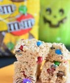 There is a little secret on how to make the best sweet sticky perfect rice krispie treats at home!! An easy recipe, anyone can follow at TidyMom.net