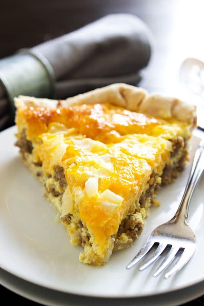 Mother's Day Brunch Meal Plan recipes, printables and decor at TidyMom.net - Easy Sausage Breakfast Quiche recipe