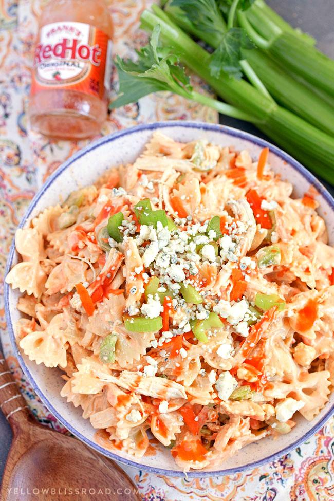 Buffalo Chicken Pasta Salad image from Yellow Bliss Road : How to Plan a Perfect Picnic. Get recipes, printables and more to plan a perfect picnic at TidyMom.net