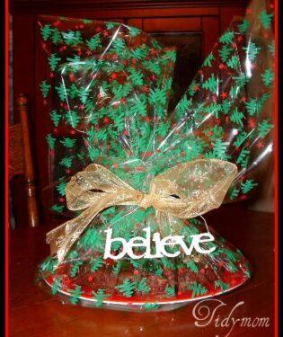 Christmas Fudge Wreath at TidyMom.net