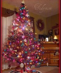 Decorated Christmas tree 2008 at TidyMom.net
