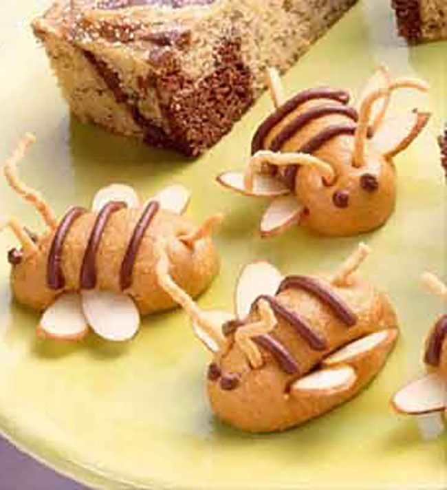 These adorable no-bake peanut butter bees will have children and adults buzzing with excitement. No Bake peanut butter bees recipe at TidyMom.net
