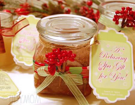 Homemade Brown Sugar Scrub + FREE printable label at Tidymom.net