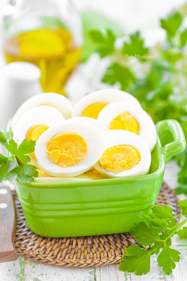 how to get hard boiled eggs