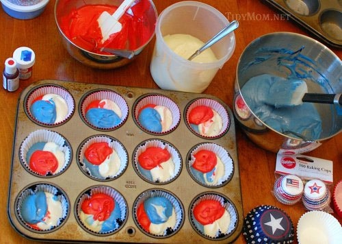 Red White and Blue Cupcake Tutorial at TidyMom.net