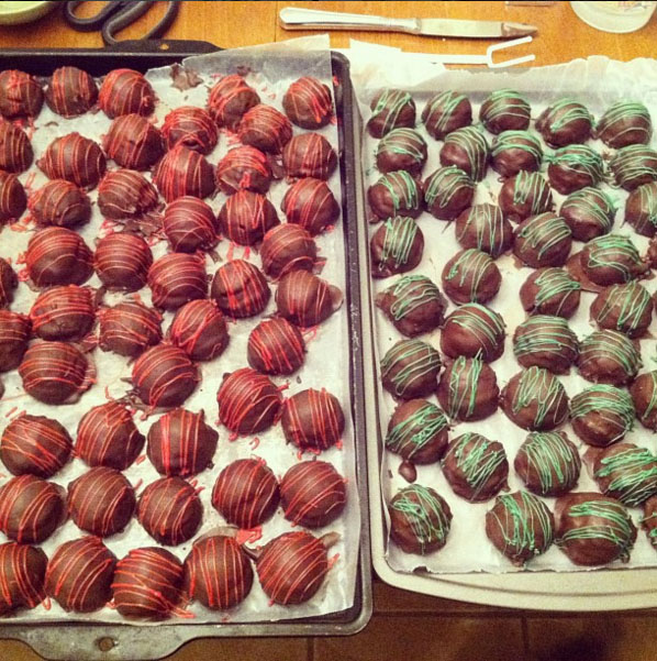 cake-balls-drizzled-with-chocolate