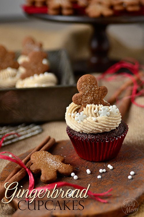 gingerbread cupcake with cookie on top