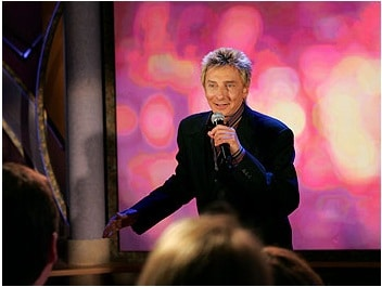 Barry Manilow performing on Oprah