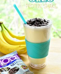 Instead of buying over-priced, sugar-laden smoothies and milkshakes, try a homemade Banana Cream Oreo Protein Shake. It's not only easier on the pocketbook and delicious, but it's healthier too! PRINT the recipe at TidyMom.net