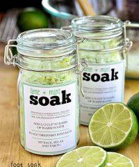 DIY Foot Soak in jars with free printable label