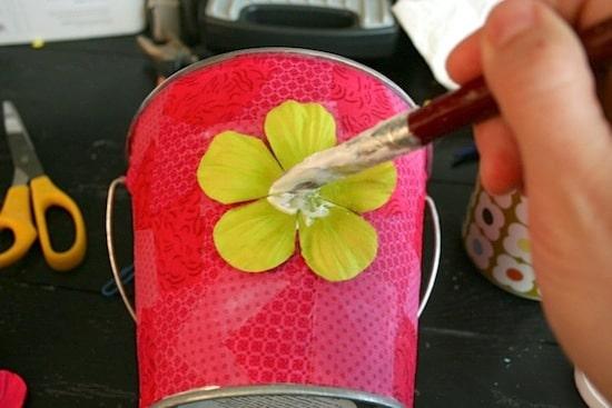 Glue-Down-Flower