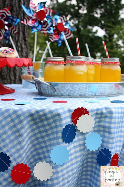Cheap & easy Summer Holiday Table Decor