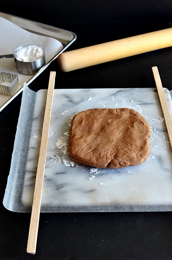 Use balsa sticks to roll out cookie dough evenly.  More  #cookie tips and recipe at TidyMom.net