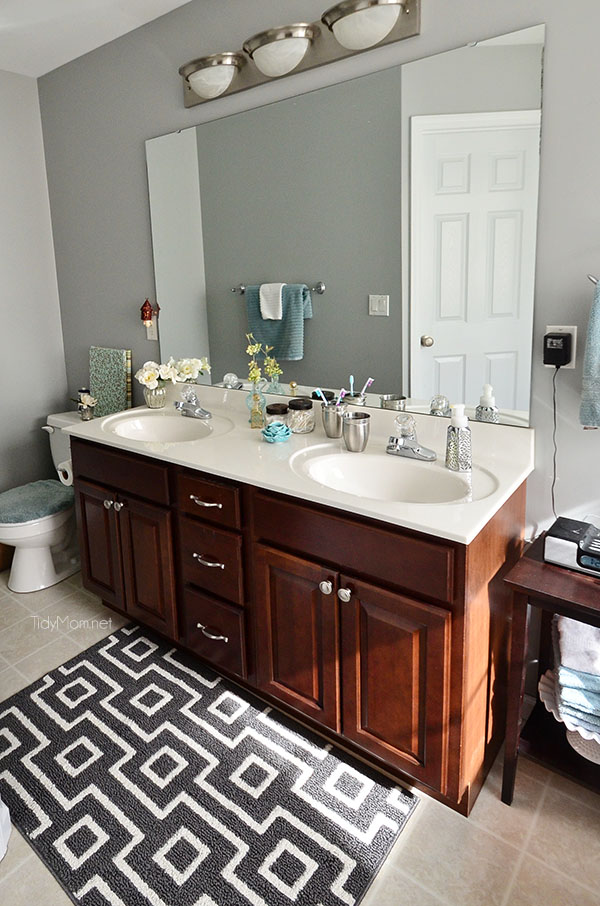 How to keep your bathroom clean in 5 minutes a day for How often to clean bathroom