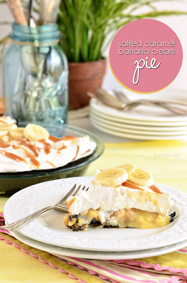 Quick and Easy Salted Caramel Banana Cream Pie with Oreo crust. Recipe at TidyMom.net