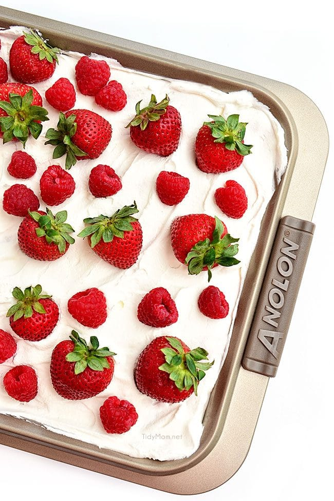 no-bake strawberry cheesecake dessert in a pan