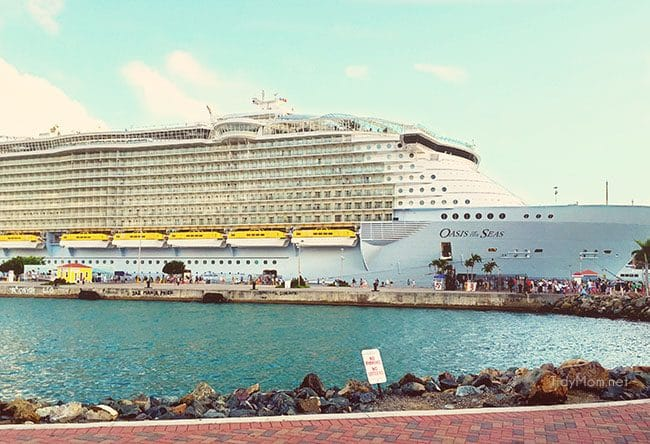 Royal Caribbean Oasis of the Seas cruise ship image