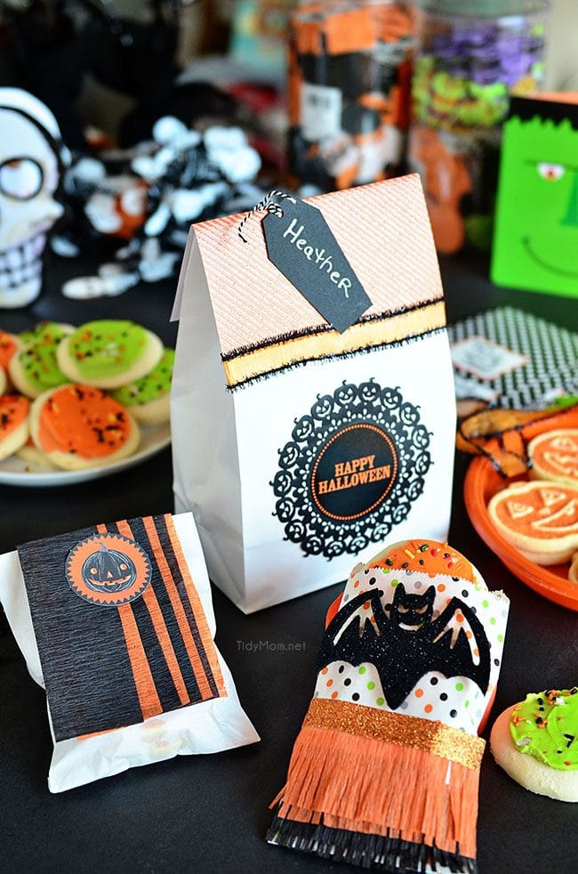 diy halloween treat bags perfect for cookies candy or halloween favors to pass out