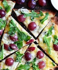 Grilled Grape Brie and Arugula Flatbread Pizza recipe at TidyMom.net