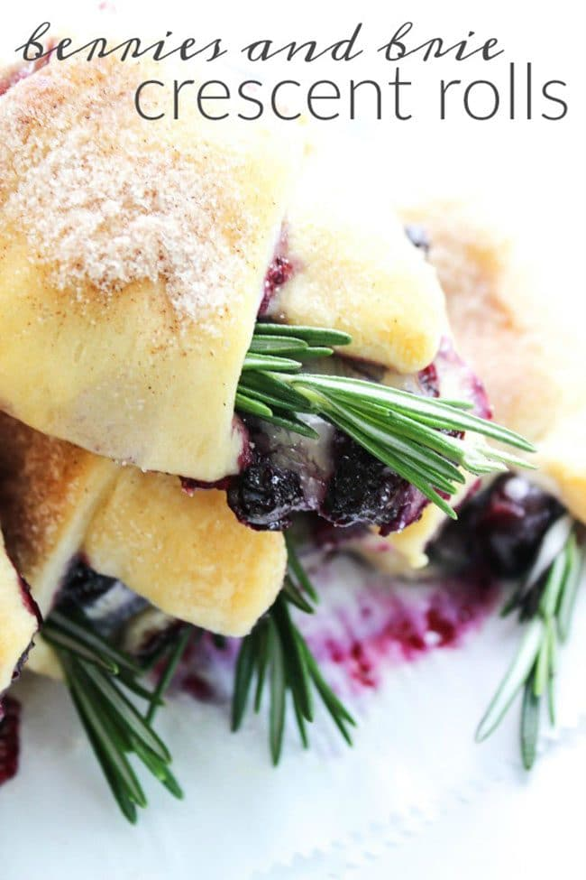Berries and Brie Crescent Rolls | | Easter Dinner Meal Plan recipes, printables and decor ideas. Details at TidyMom.net