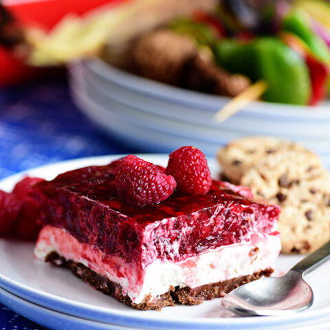 No-Bake Raspberry Cheesecake with Cookie Crust