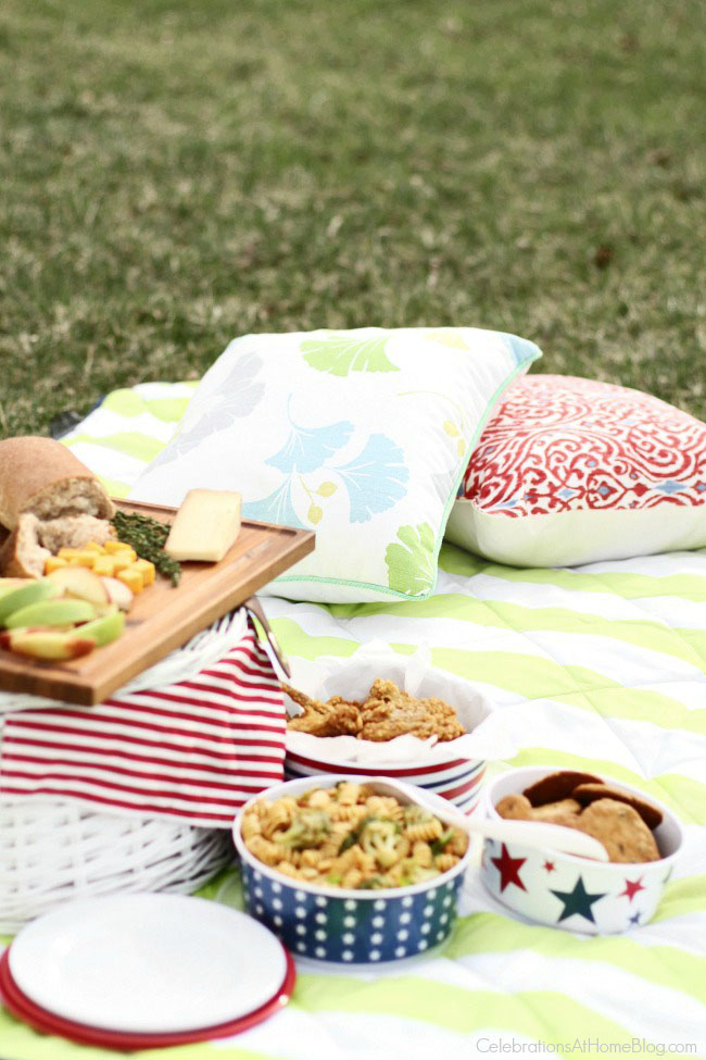 Host a Family Picnic image from Celebrations At Home: How to Plan a Perfect Picnic. Get recipes, printables and more to plan a perfect picnic at TidyMom.net