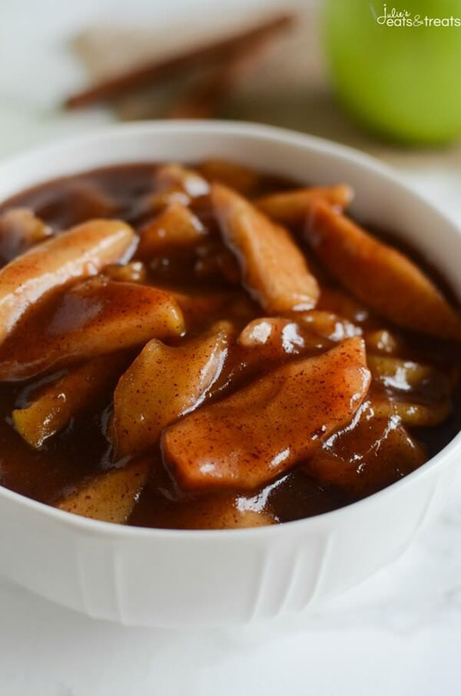 Best Comfort Food Meal Plan. Crockpot Cinnamon Apples from Julie's Eats & Treats. Get More meal plan recipes, printable and decor at TidyMom.net
